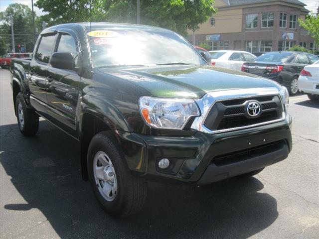 certified pre owned 2013 toyota tacoma prerunner v6 4x2 prerunner v6 4dr double cab 5 0 ft sb 5a. Black Bedroom Furniture Sets. Home Design Ideas