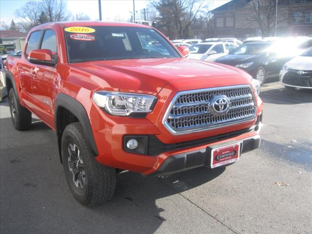 Certified Pre-Owned 2016 Toyota Tacoma TRO 4x4 TRD Off-Road 4dr Double Cab 5.0 ft SB 6A in Glens ...